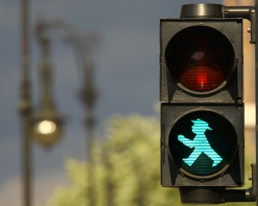 Traffic light by Jean Christophe Prunet